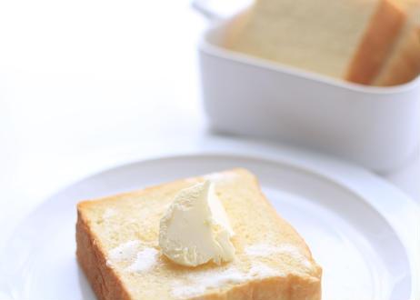 【食べ比べセット】『ふじ森』1本 +『クラシック食パン』1本:シンプルだからこそ違いがわかる!食べ比べをお楽しみください。