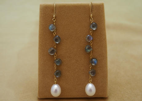 Labradorite & F.W.Pearl Design Earrings