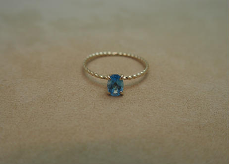 Swiss Blue Topaz Petit Ring(o/v)