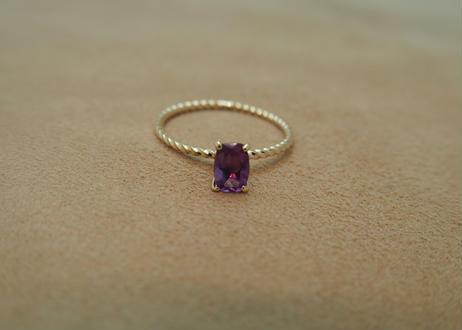 Amethyst Petit Ring (s/q)