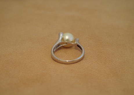 Akoya Natural Yellow Platinum Ring