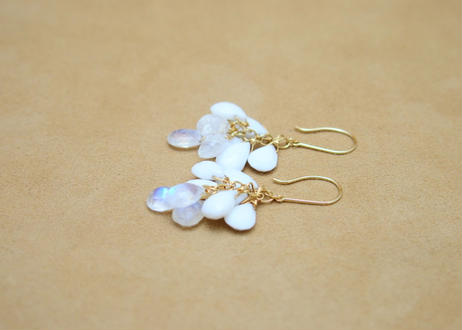WhiteAgate&Royal moonstone Prism Earrings