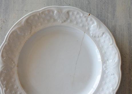 ショワジールロワ 白いレリーフ皿〖202108-019〗