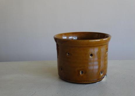 南仏陶器 穴あき陶器 フェセル 水切り容器 カーキ 直径11.5cm