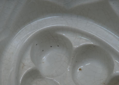 イギリスアンティーク 白い陶器製 レリーフ ゼリーモールド