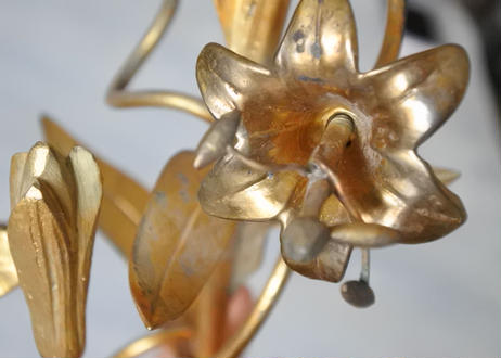 ブロンズ 小さめ 教会のキャンドルスタンド 百合の花 高さ27.6cm【2020DEC-024】