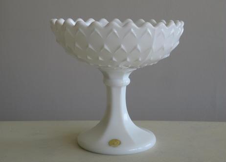 ミルクガラス オパリン 白いレリーフのカップ ギザギザレリーフ ドイツ製
