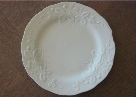 クレイユ エ モントロー 白い野いちごレリーフ皿 #2
