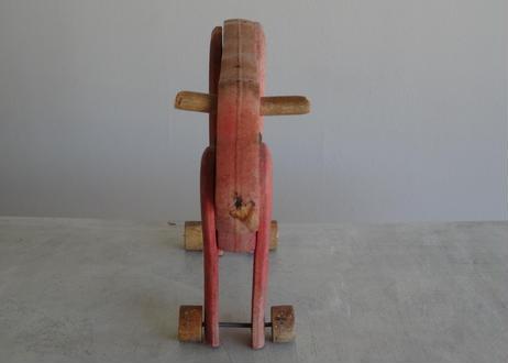フランスブロカント 19世紀 木製の牛のおもちゃ
