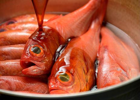 浜の湯名物「金目鯛姿煮」(中サイズ1匹:内容量550g~649g)