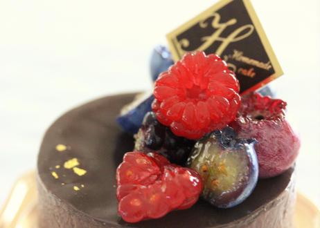 【完成見本作品付きレシピ】ミックスベリー濃厚チョコムース
