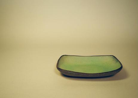 銅釉タタラ角皿 ①