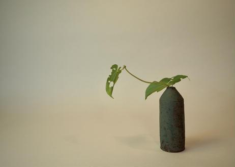 銅緑釉花入 ④