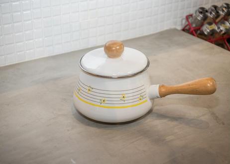 ホーロー×木の取手の片手鍋_古いけどデッドストックです!キッチンときめく