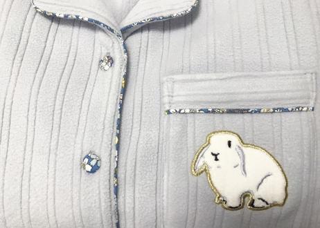 ランダムフリースラビット刺繍シャツ上下セット