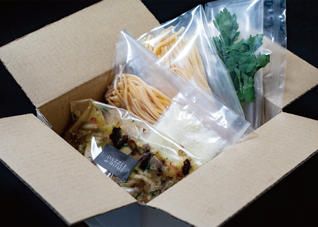 【DAZZLEのパスタセット】高級店のパスタソース・ビュルゴー産鴨腿肉のコンフィと4種きのこのカチョエペペ・生パスタ・リングイネ 2食分 [クール便・送料込み]