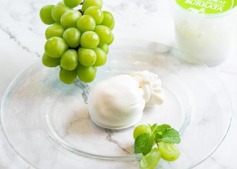 【銀座の手作りフレッシュチーズ】とろけるシャインマスカットブッラータ・リコッタ・モッツァレラの3種類をセットで