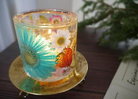 《楽園キャンドルホルダー》デザートの予感喜ぶ(ミントブルーガーベラ)