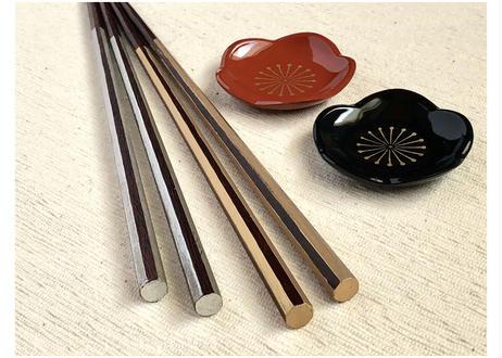 【輪島拭き漆箸】桐箱2膳入/八角金銀ライン&梅の箸置きセット