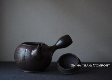 KOSHIN Black Red Marble Seaweed SQ (Iron Teapot texture) 香臣大理石