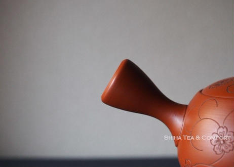 山田宝生朱泥壺 (宝生母親刻花)急須 Yamada Housei  Red clay Teapot Kyusu