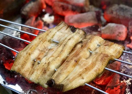 父の日ギフトにもお勧め!・お酒がすすむ!白焼きと鰻のふっくら煮の贅沢セット