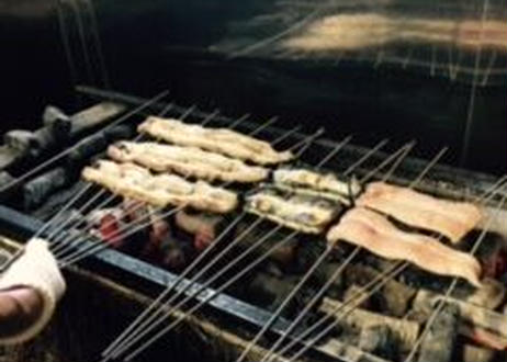 糖質が気になる人はコレ!炭火で焼き上げた鰻の白焼き4枚セット