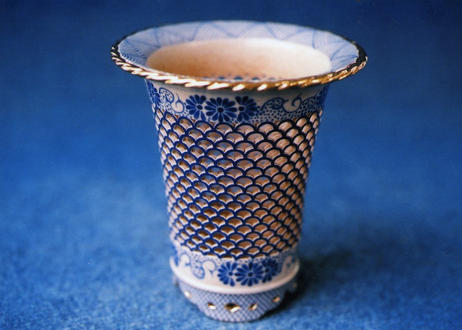 F11368 透かし彫り鉢《外径・9.7cm》(n109)