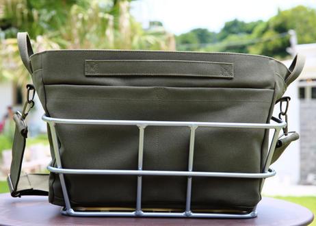 ワイドバッグ(カーキ)+ アルミ樹脂製底板バスケット(シルバー)セット