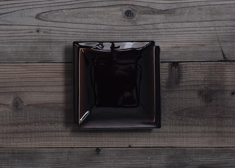 【atelier七緒】kasane 正角皿 (白磁/飴釉)