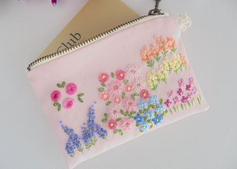 手刺繍ポーチ カード入れ ラベンダーとバラの咲く庭【1点限り】 イングリッシュガーデン