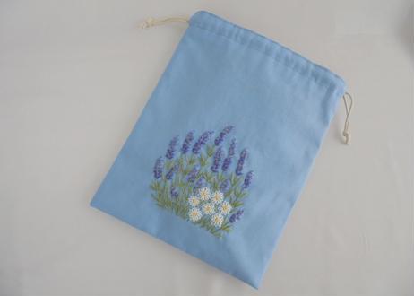 手刺繍 ラベンダーとカモミールの咲く庭 イングリッシュガーデン
