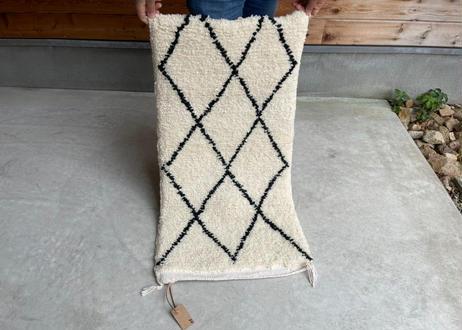 ベニオワレンラグA-2     50cm × 97cm