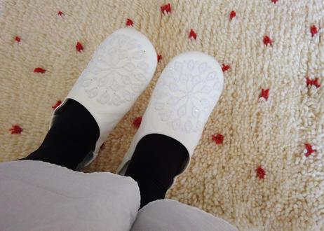 White × White バブーシュ
