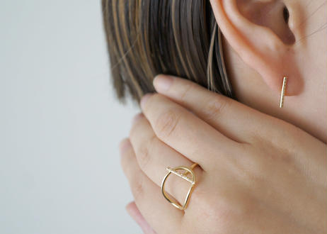 Bar Diamond Pierced Earring