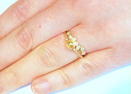 Classic Seven Diamond Ring