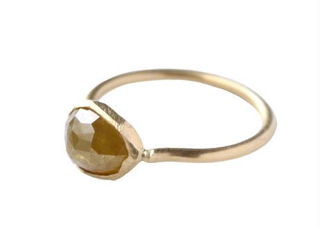 Natural Diamond Pear-shape Ring