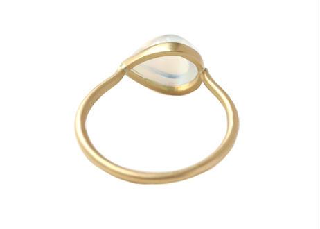 Rainbow moonstone Pear-shaped Cabochon Ring
