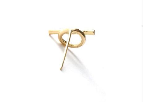 Mantel Bar Diamond Pierced Earring