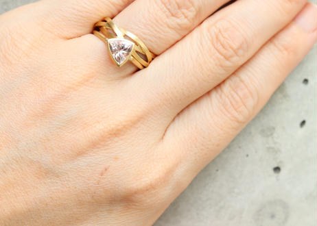 Morganite trilliant Ring