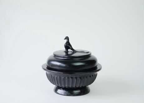 【訳有】ミャンマー製漆器 木胎黒漆鳩蓋物 S