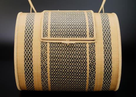 竹組手付菱紋籠  タイ東北部