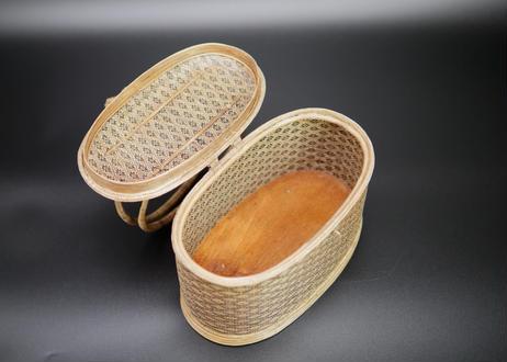【特選】籐組手付楕円型総花菱紋籠 ブラック タイ中部
