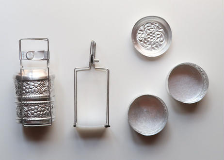 インドのお弁当箱型 小さな容器
