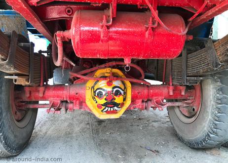 妬み・嫉みの視線を跳ね返す!インドの魔除け Sサイズ|タミルナドゥ州