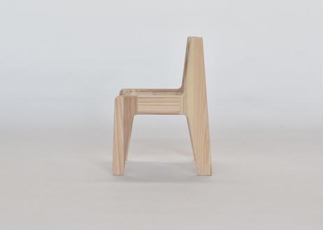 杉の小椅子
