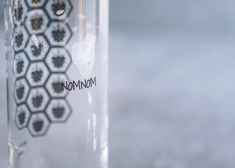 New!!サプライズx4本とノムノムグラスx2個のセット