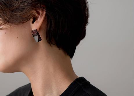 CHAMFER  LONG  EARRING / PIERCE