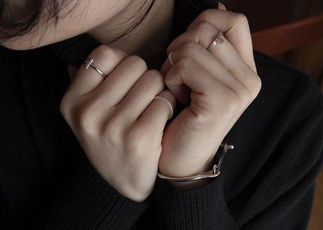 Modest ring