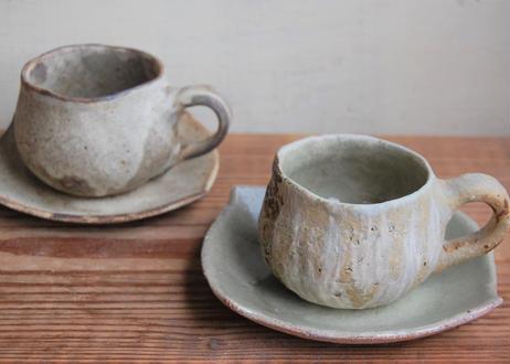 手びねり丸コーヒーカップ&ソーサ― 刷毛
